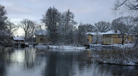 Innan isen fryser på Svartån vid Lindbacka